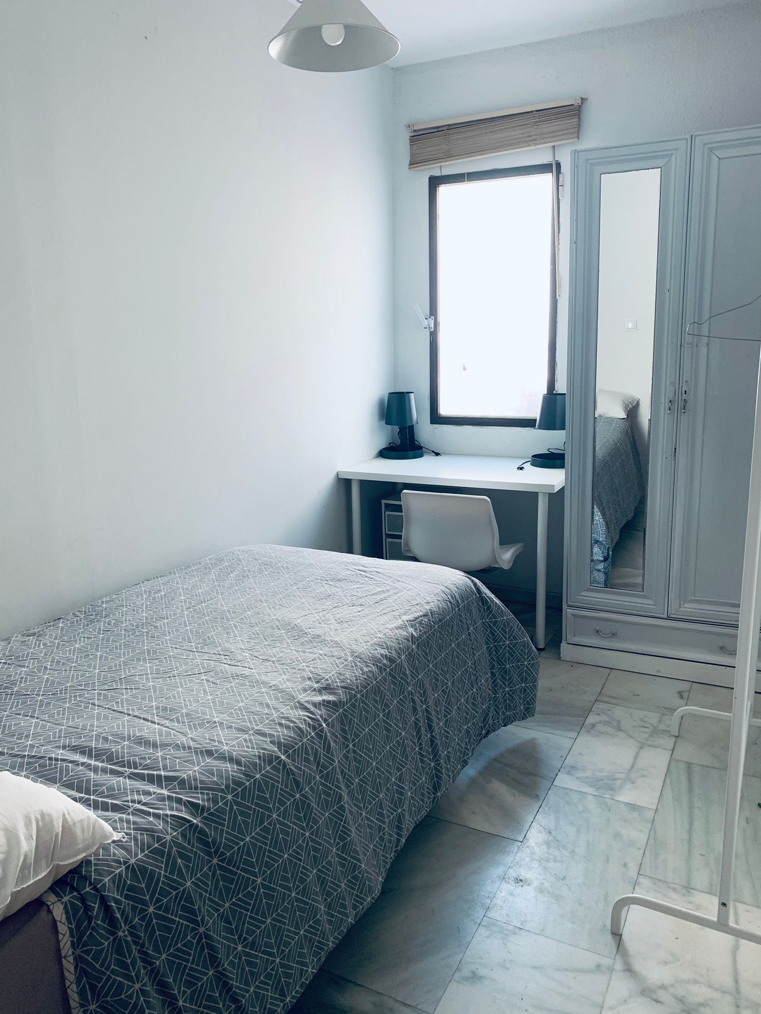 Single room in the city center .
