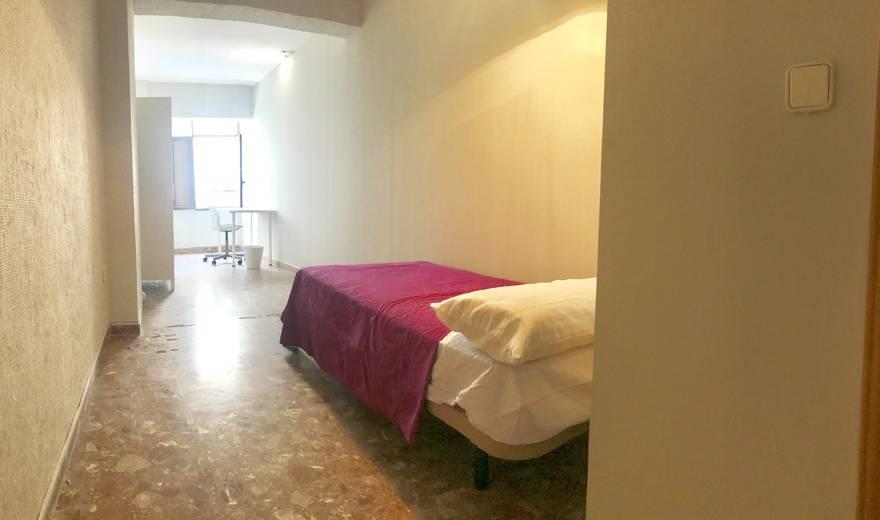 Single room in the center of Cordoba.