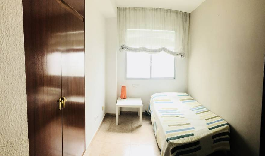 Lovely single Room at Avenida Barcelona